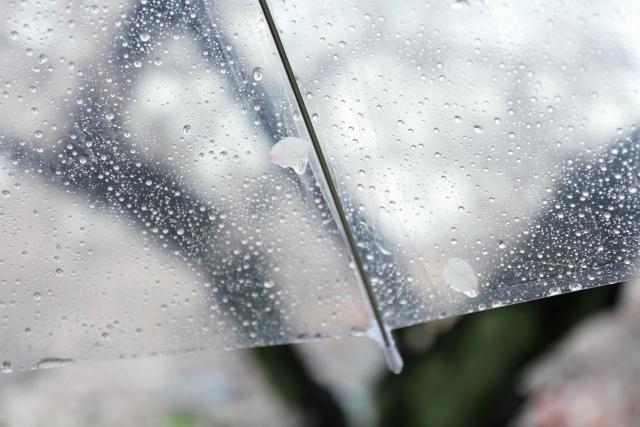梅雨の湿気対策には新聞紙!炭や重層を使った方法もご紹介!