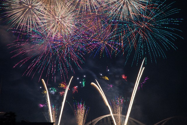 日本初!スーパータワー花火inハウステンボス!有料席やクルーズの情報はココ!