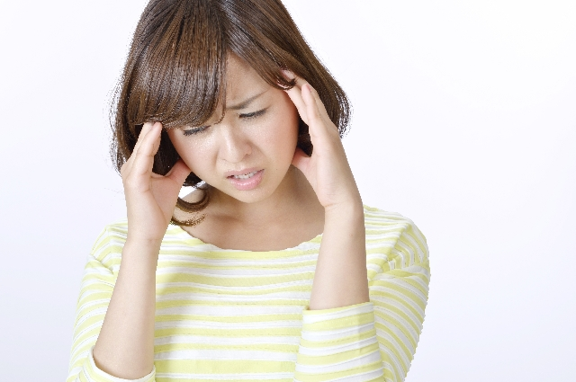 台風が来ると頭痛がする原因は?効果的な対処法や○○を使って快適に♪