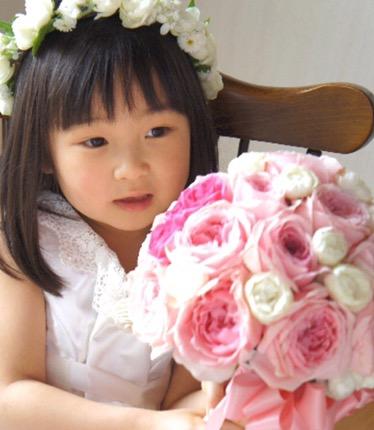 結婚式で子供のドレスは白でもOK?女の子の服装マナーと激安ドレスを紹介