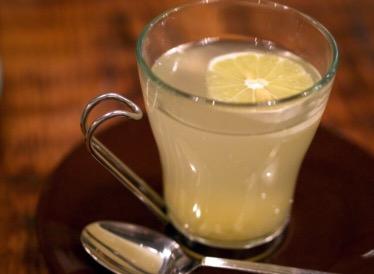 体を温めると痩せる?!効果的な飲み物の種類や飲むタイミングを紹介