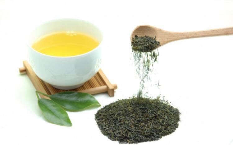 インフルエンザ予防には緑茶が効果抜群!うがいの方法やペットボトルでもOK?