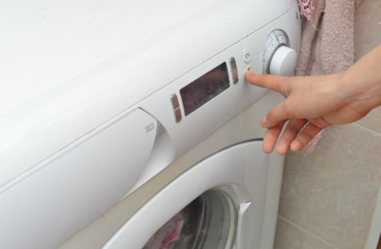 オキシクリーンでドラム式洗濯機を掃除する方法!