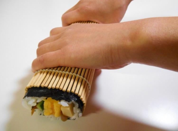 恵方巻きの作り方は簡単!コツやラップで作る方法は?