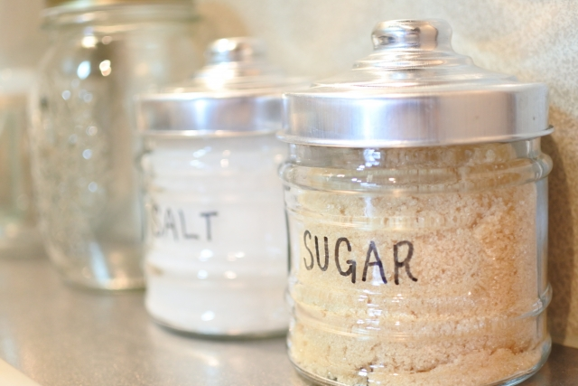 砂糖が固まらない5つの方法!食パンやキャベツ、ヨーグルトに乾燥剤、マシュマロも!