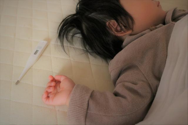 アデノウイルス体験談。熱が一週間下がらない…